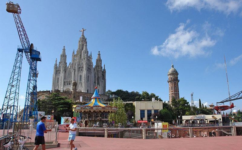 парк аттракционов Тибидабо в Барселоне